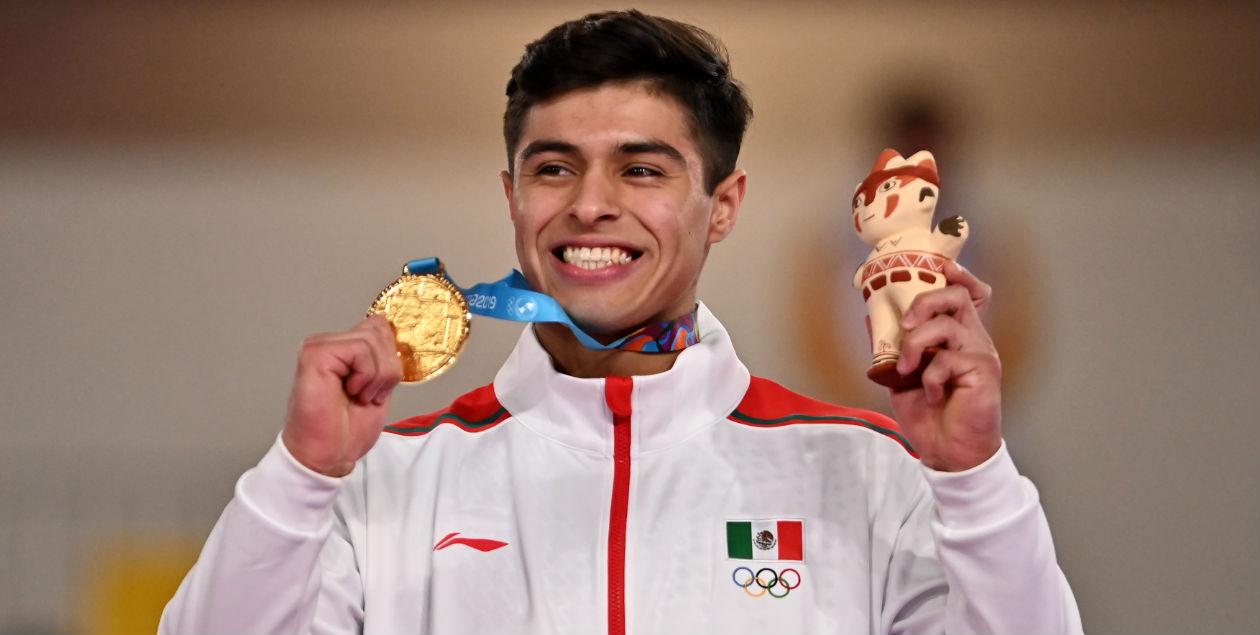 Isaac Farfán gana medalla de oro en barras paralelas en los Juegos Panamericanos 2019