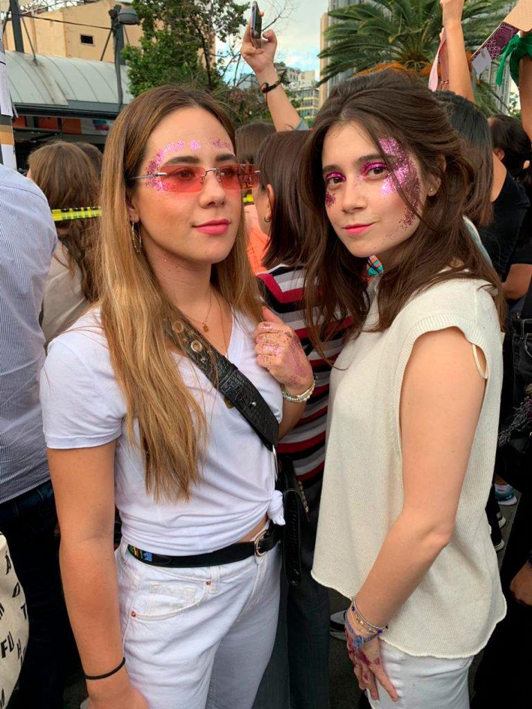 Mujeres protestaron en la Glorieta de Insurgentes en CDMX