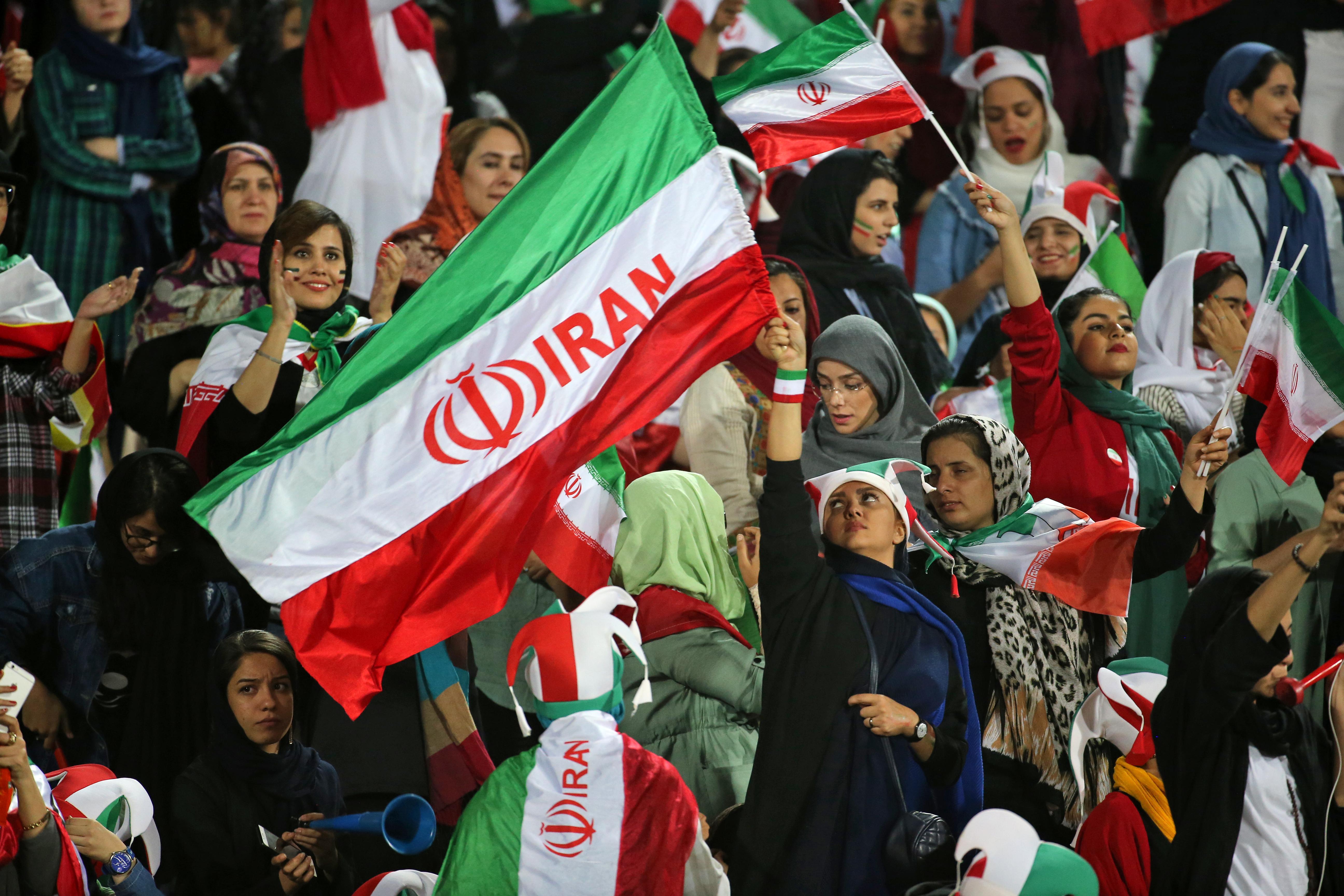 mujeres partido de futbol iran
