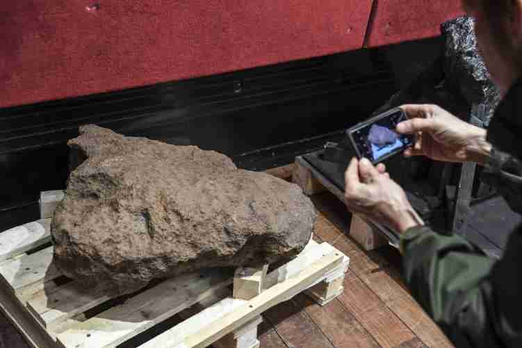 subasta-meteoritos-francia-espacio-2