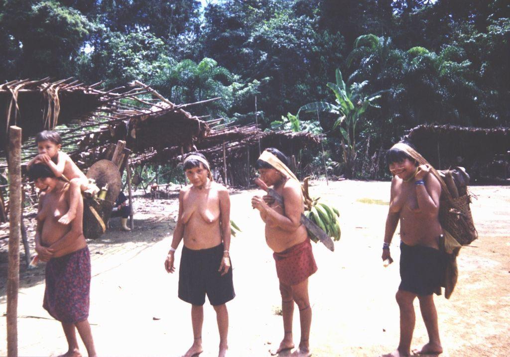 Los yanomami, que viven en Venezuela, tienen un elaborado rito funerario. Foto: Wiki Commons