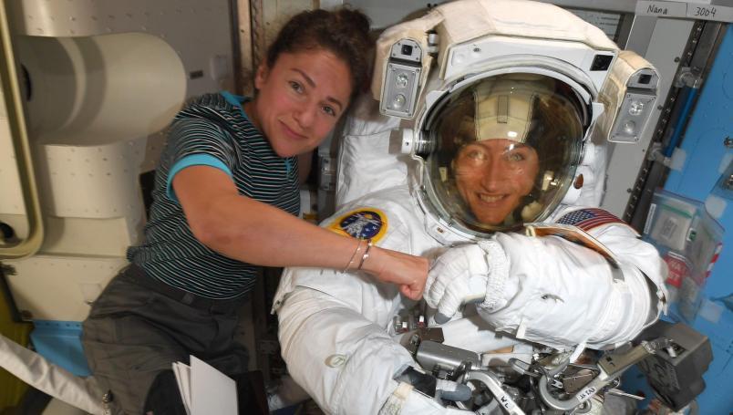 caminata-espacial-femenina-nasa-mujeres-espacio-astronautas-christina-koch