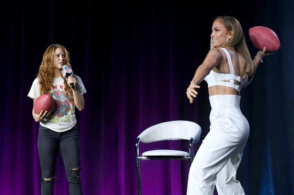 Jennifer Lopez y Shakira. Foto: AFP