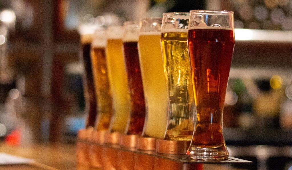 También se han hallado microplásticos en cervezas alemanas y estadounidenses. Foto: Kyryll Ushakov | Unsplash