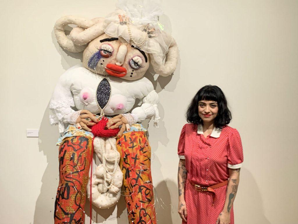 En marzo, Mon Laferte expuso sus obras en el Museo de la Ciudad de México.