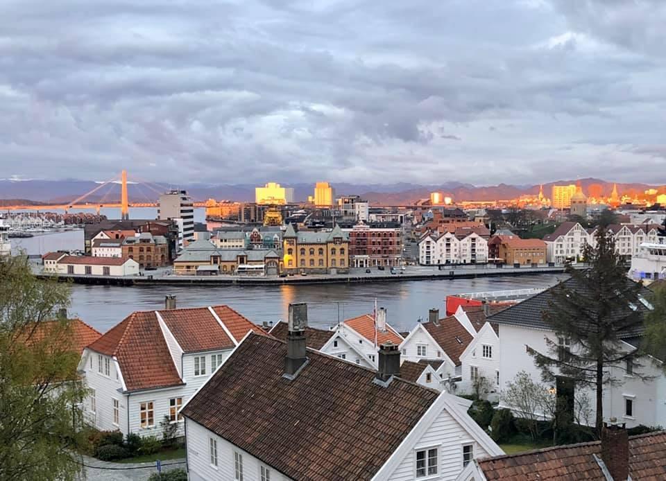 Desde Stavanger, Noruega, Evelyn Girdler posteó esta imagen en el grupo. Foto: View from my window, Facebook