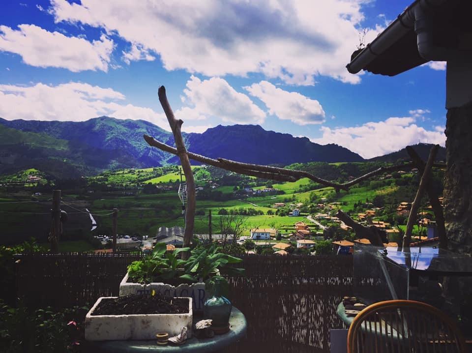 Via Fleur compartió el paisaje de Asturias, España. Foto: View from my window, Faceboo