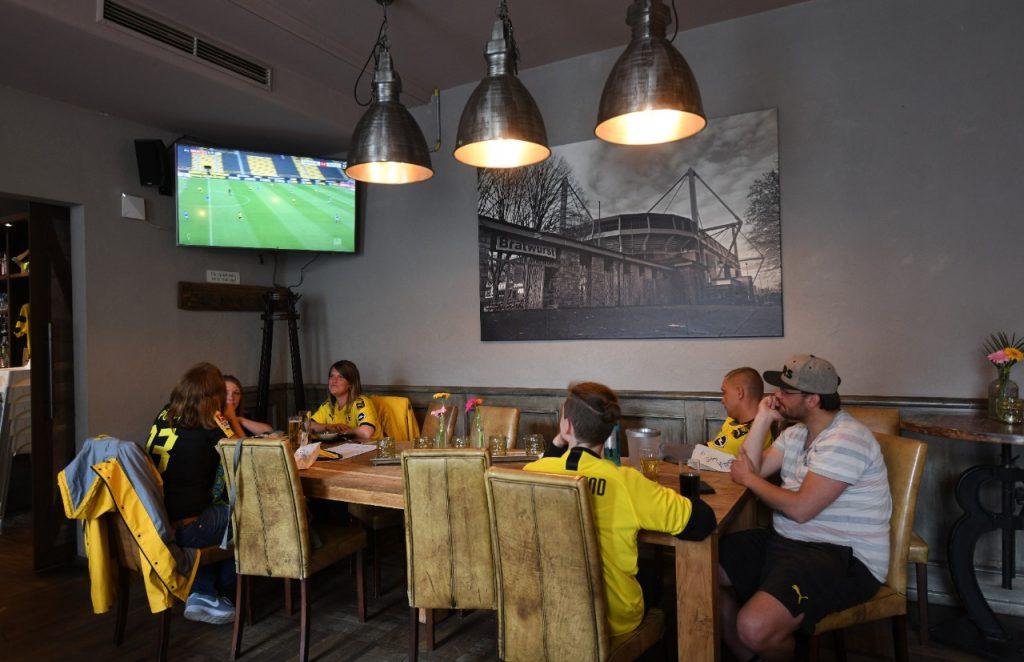Los partidos se jugaron sin público. Foto: AFP