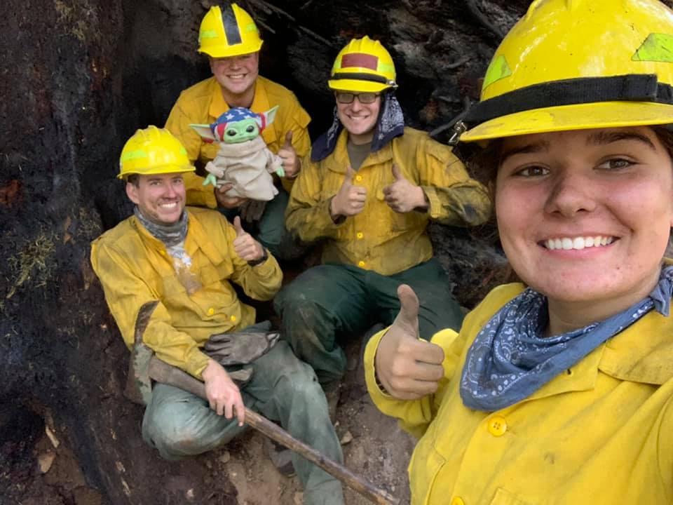 Baby Yoda bomberos incendios california