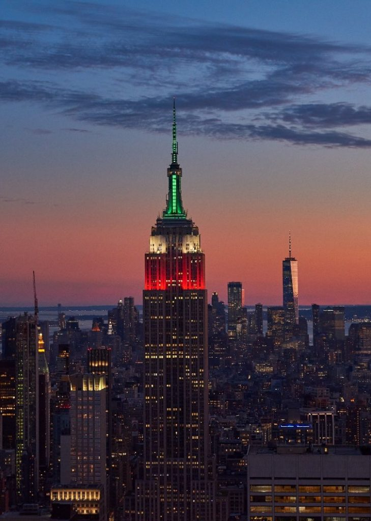 El Empire State se iluminó con la bandera de México.