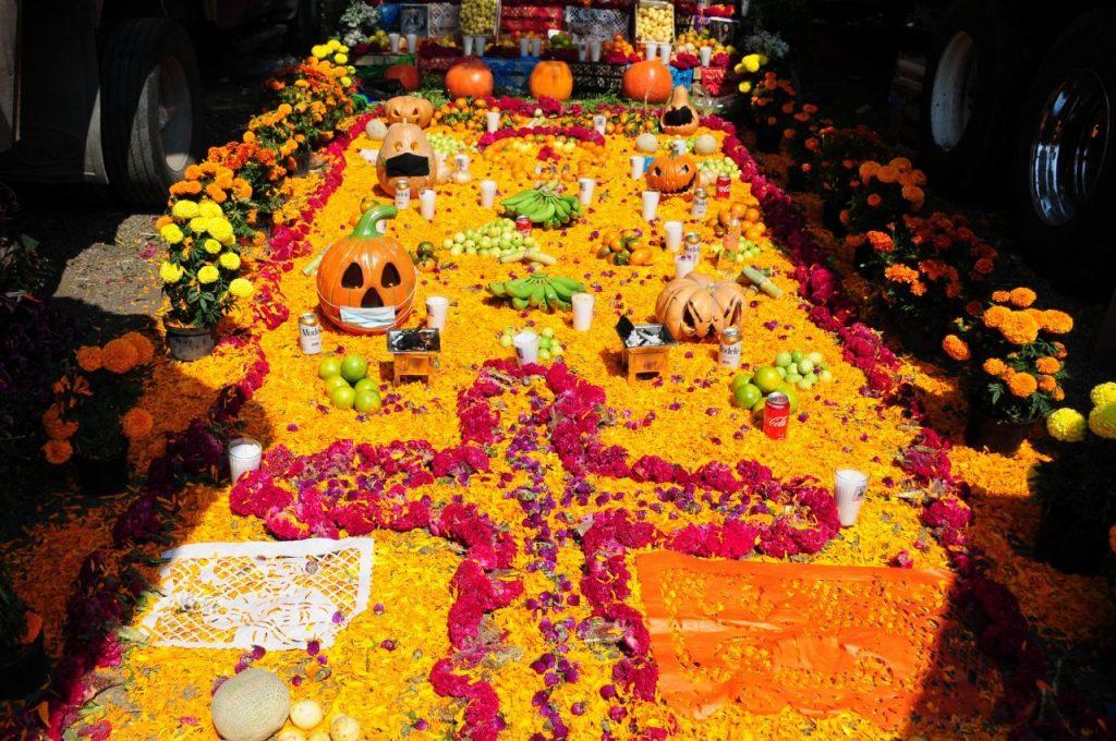 Ofrenda de Día de Muertos en la Central de Abasto de la CDMX. Foto: Daniel Augusto | Cuartoscuro