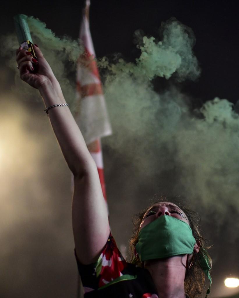 Las fotos de la celebración por la legalización del aborto en Argentina. Foto: Ronaldo Schemidt | AFP