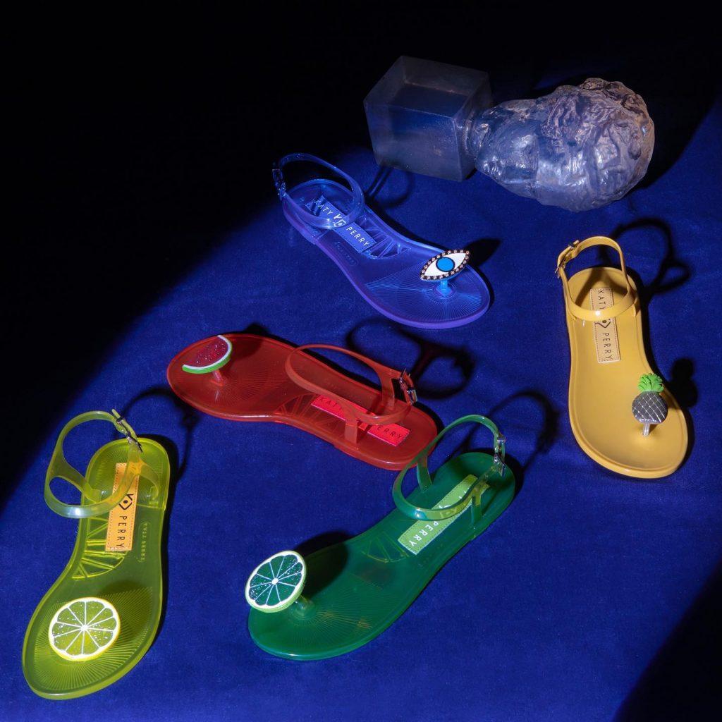 Los diferentes modelos de las chanclas. Foto: Katy Perry