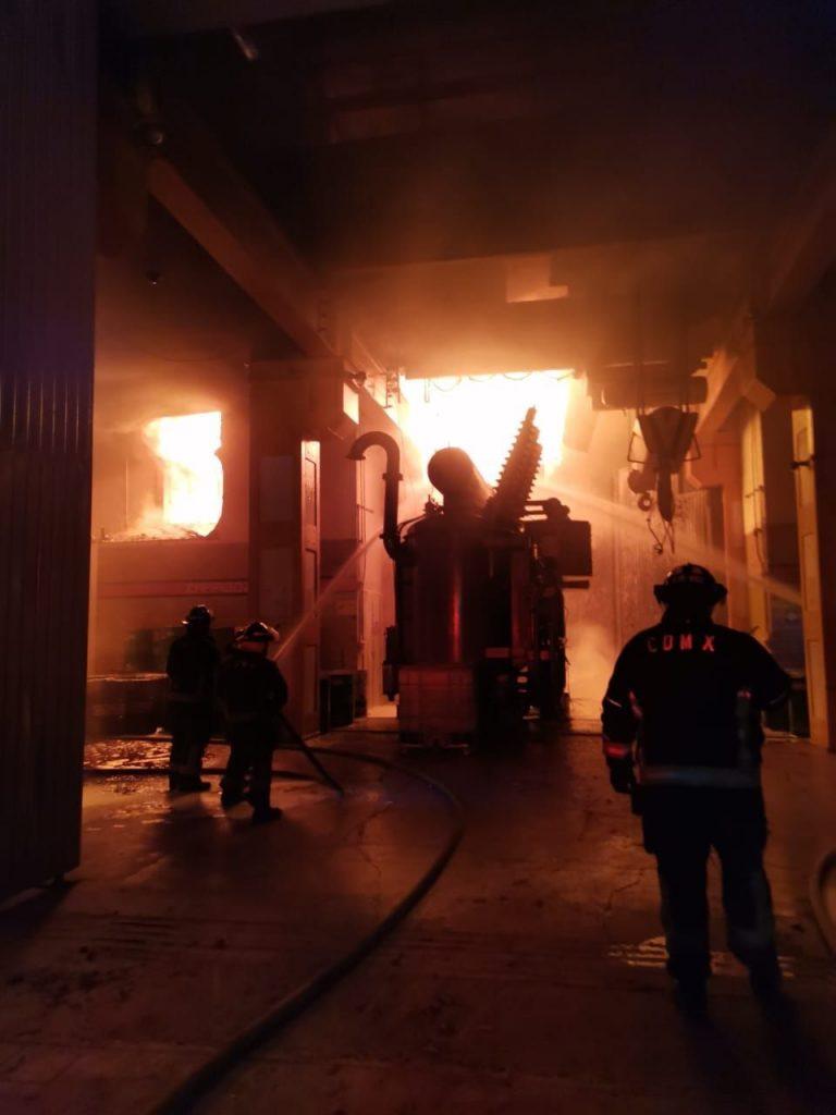 Así se veía el incendio desde el interior. Foto: Cuartoscuro