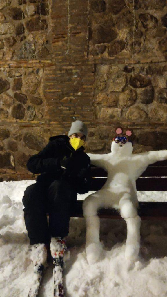 Mono de nieve en España. Foto: @checkeddvans