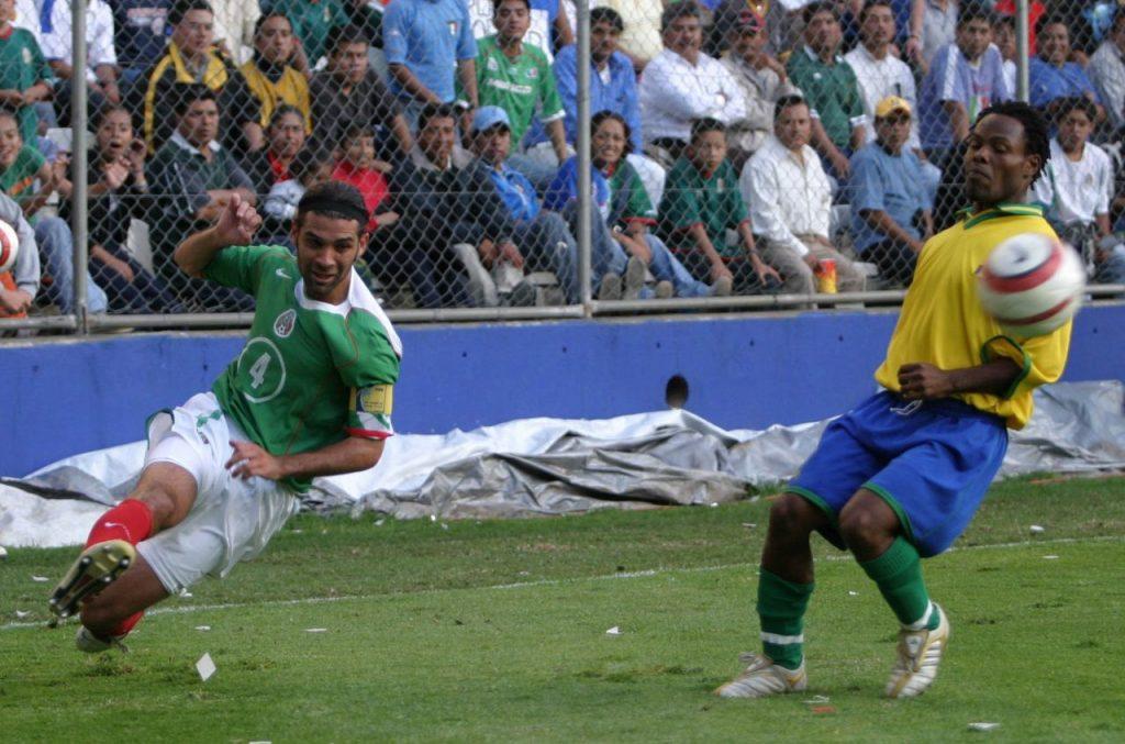 Rafa Márquez en un partido contra San Vicente y las Granadinas en Pachuca, Hidalgo. En 2004. Foto: Eunice Adorno | Cuartoscuro