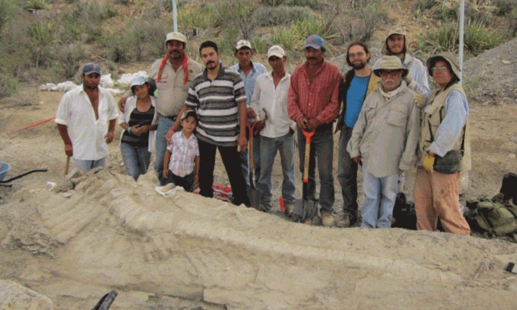 El equipo científico de excavaciones en Coahuila. Foto: INAH