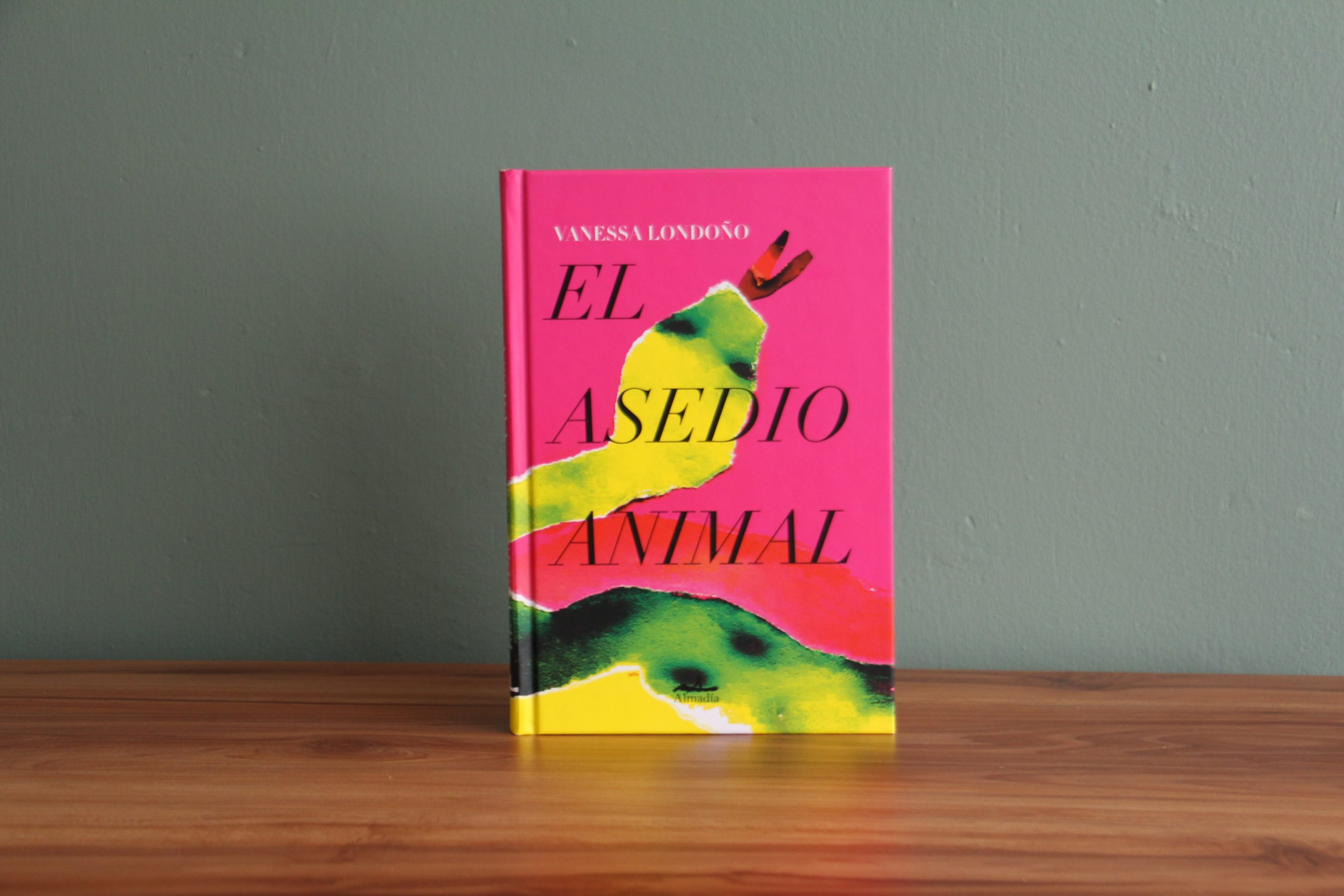 el-asedio-animal-novela