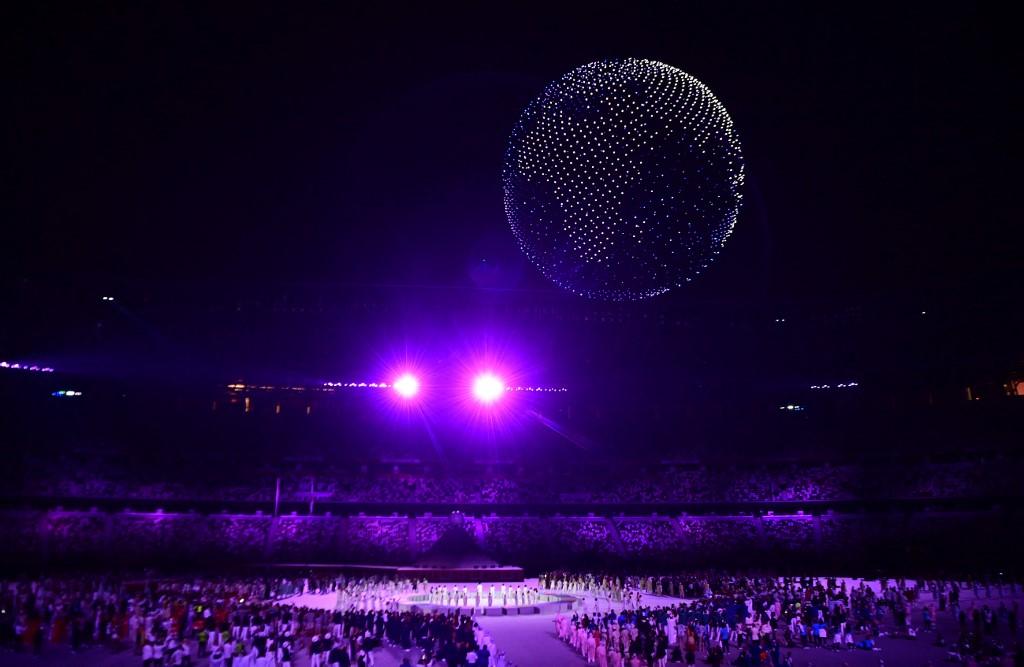 Con drones formando al planeta Tierra, culminó la ceremonia de inauguración de Tokyo 2021. Foto: Franck Fife   AFP