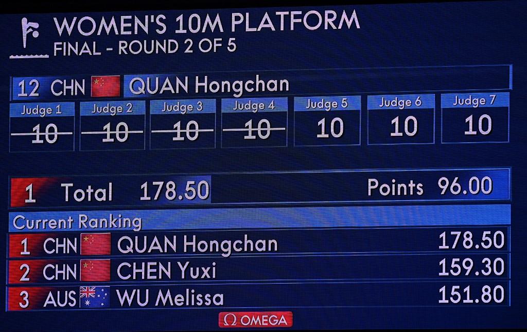 La calificación de 10 perfecto de Hongchan Quan en la plataforma de 10 metros en clavados de Tokio 2020. Foto: Oli Scarff | AFP