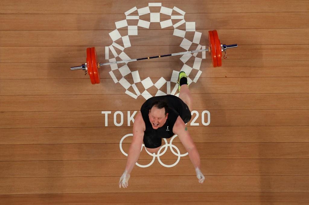 Laurel Hubbard es la primera mujer trans en participar en unos juegos olímpicos. Foto: Chris Graythen | AFP