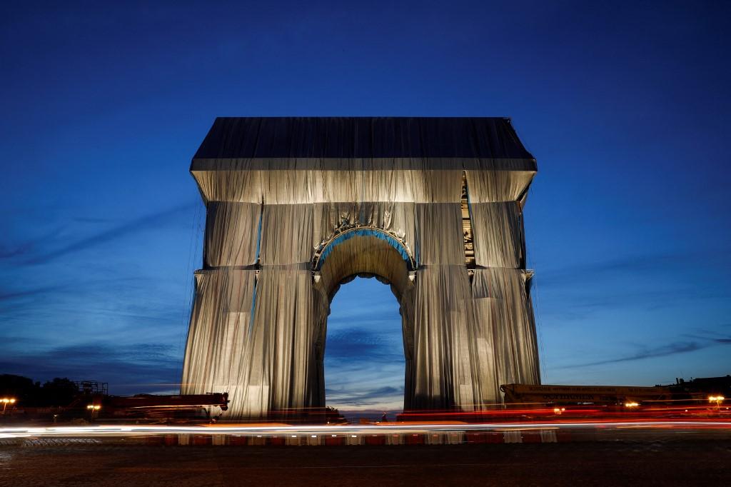 Arco del Triunfo envuelto. Foto: Geoffroy Van Der Hasselt   AFP